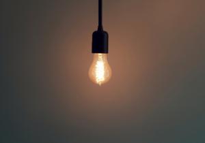 Como economizar na conta de luz?